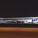 Boeing B-767-300ER PLL LOT nr. rej. SP-LPC o nazwie ,,POZNAN,, na Pasie startowym RWY33-15 po awaryjnym ladowaniu.