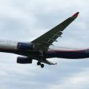 Airbus A-330-300 Aeroflot nr. rej. VQ-BQZ o nazwie ,,Nikolaj Burdenko,, na sciezce znizania RWY33.a.