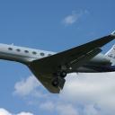 Gulfstream G-V Prywatny nr. rej. HB-JES na sciezce znizania RWY33.