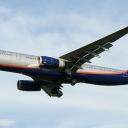 Airbus A-330-300 Aeroflot nr. rej. VQ-BCV o nazwie ,,Borys Pasternak,, na sciezce znizania RWY33.b.
