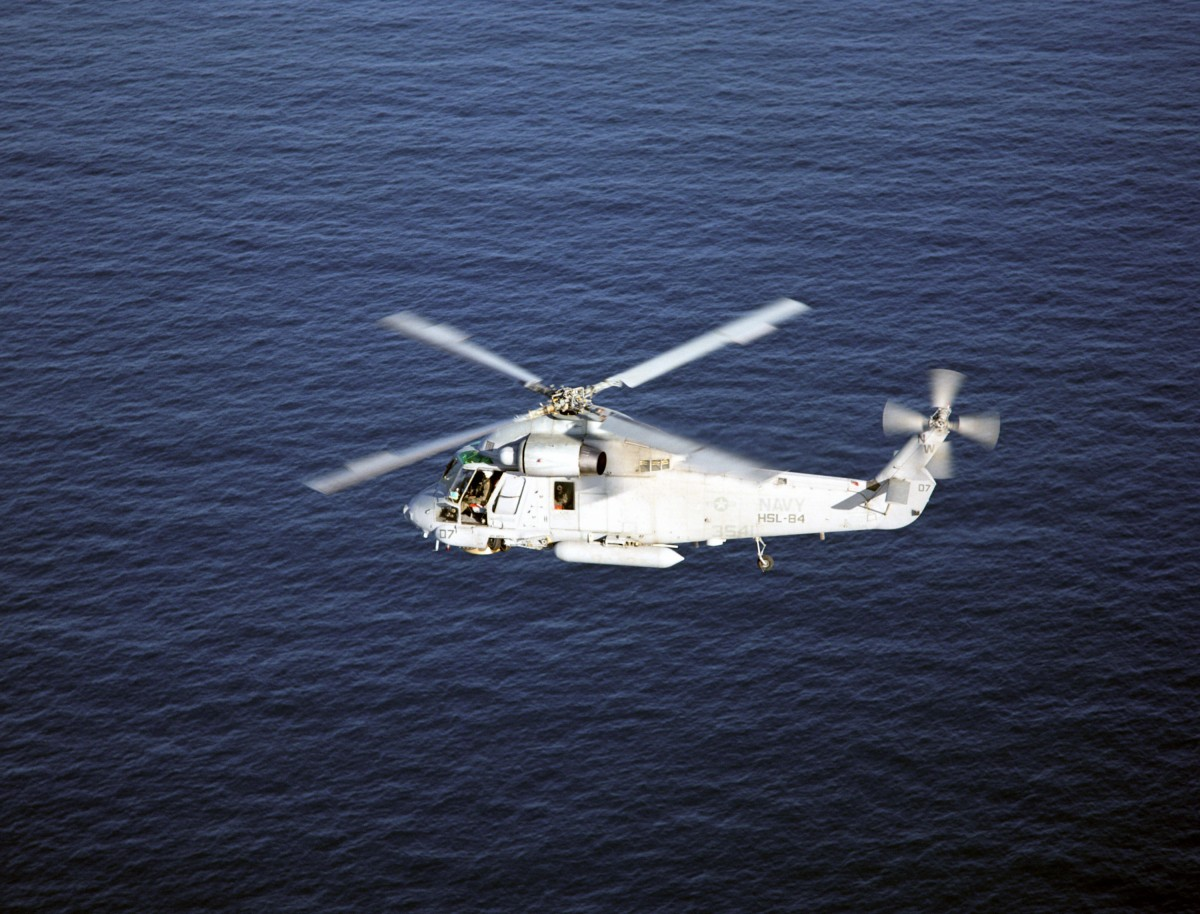 USN_SH-2G_over_water