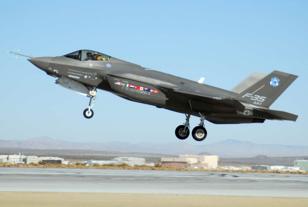 F-35_at_Edwards