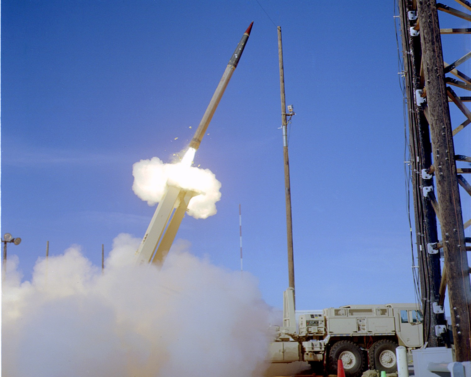 THAAD_missile_launch_in_2005_-2