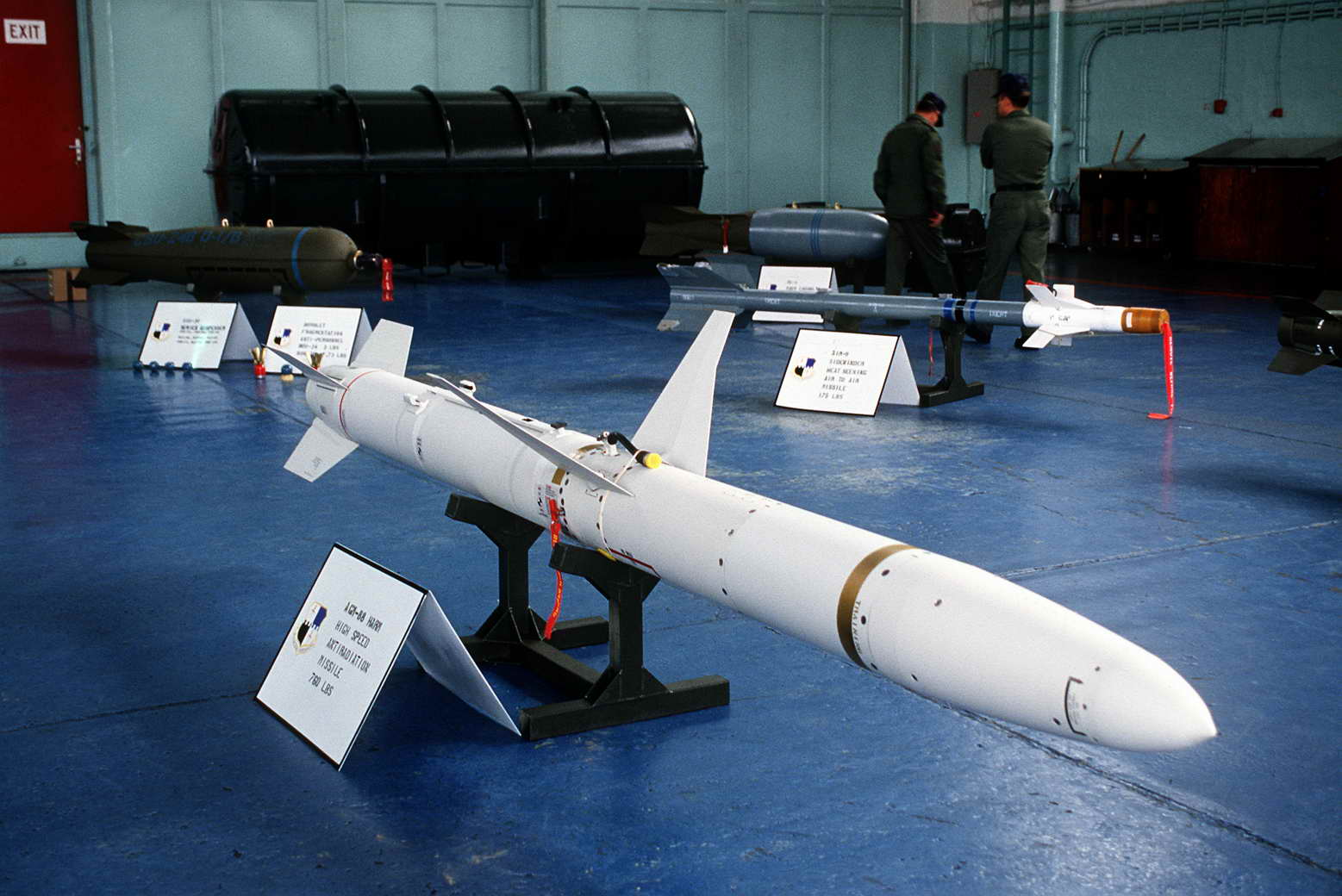 AGM-88_HARM_in_hangar