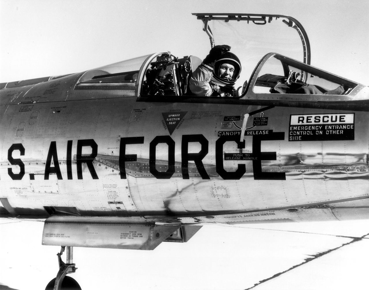 1280px-Chuck_Yeager_in_NF-104